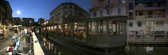 Floating restaurant. Alzaia Naviglio Pavese, Milan, Italy © 2015 Knut Dalen