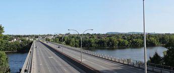 Bridge pie1X...montreal.qc © 2017 nicole leduc