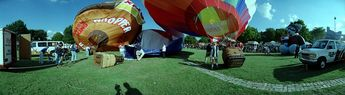 Hot air balloon demonstration © 1999 John Strait