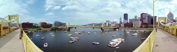 Pleasure boats on the Allegheny River during the Three Rivers Regatta, 1999 © 1999 John Strait