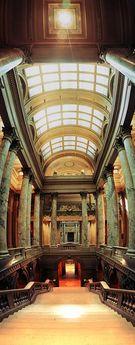 Minnesota State Capitol Building, St. Paul, Minnesota © 1999 John Strait